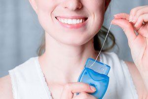 Как правильно выбрать и использовать зубную нить?